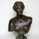 Buste de Vénus en bronze, ronze à patine brun-vert, 42 cm de hauteur, Allemagne, fin du XIXe siècle, ca 1890.